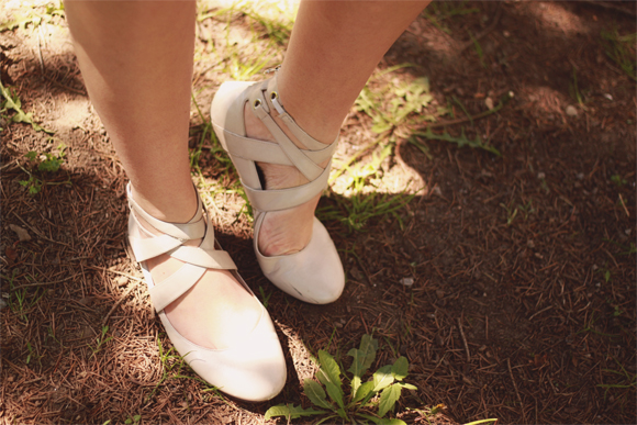 Leather ballet flats // We So Thrifty
