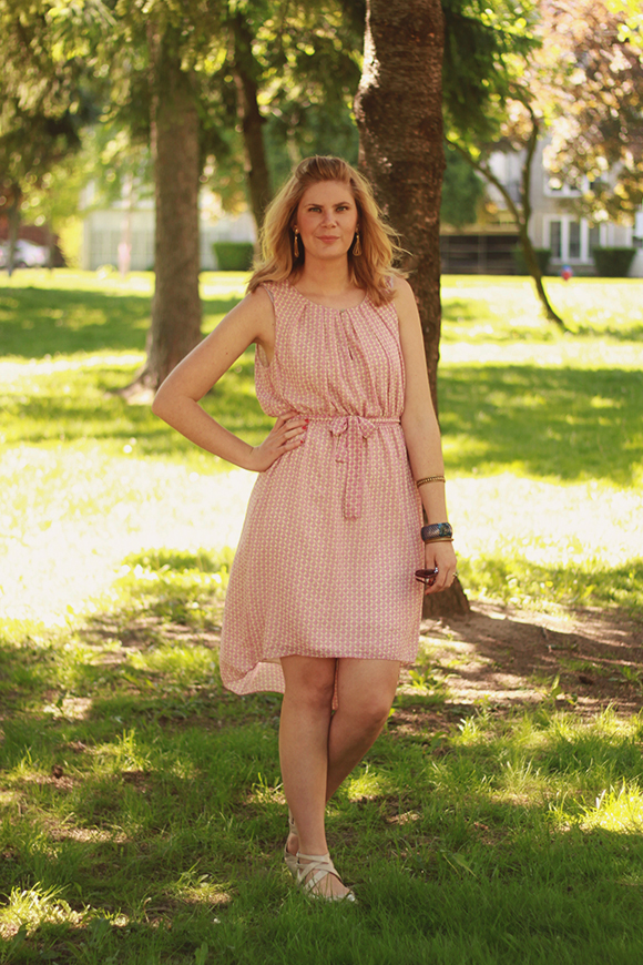 Soft pink summer dress // We So Thrifty