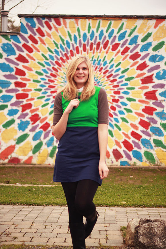 Colour-blocked ponte dress// We So Thrifty