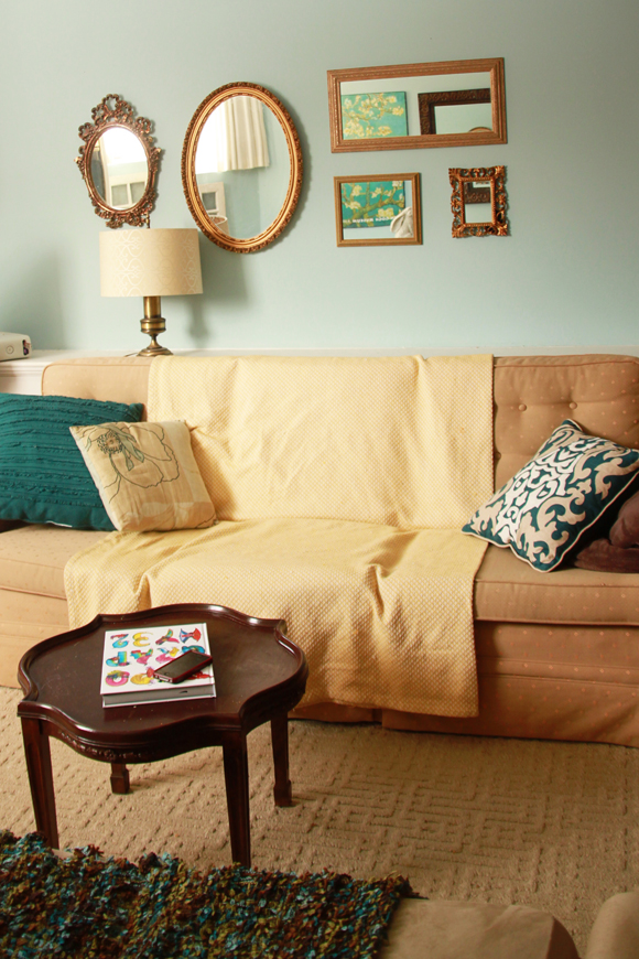 Blue living room // We So Thrifty