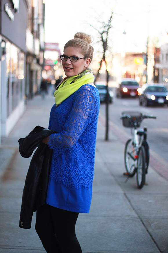 Neon scarf + bright lace // We So Thrifty