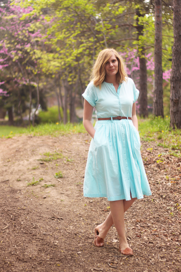 Vintage blue day dress // We So Thrifty