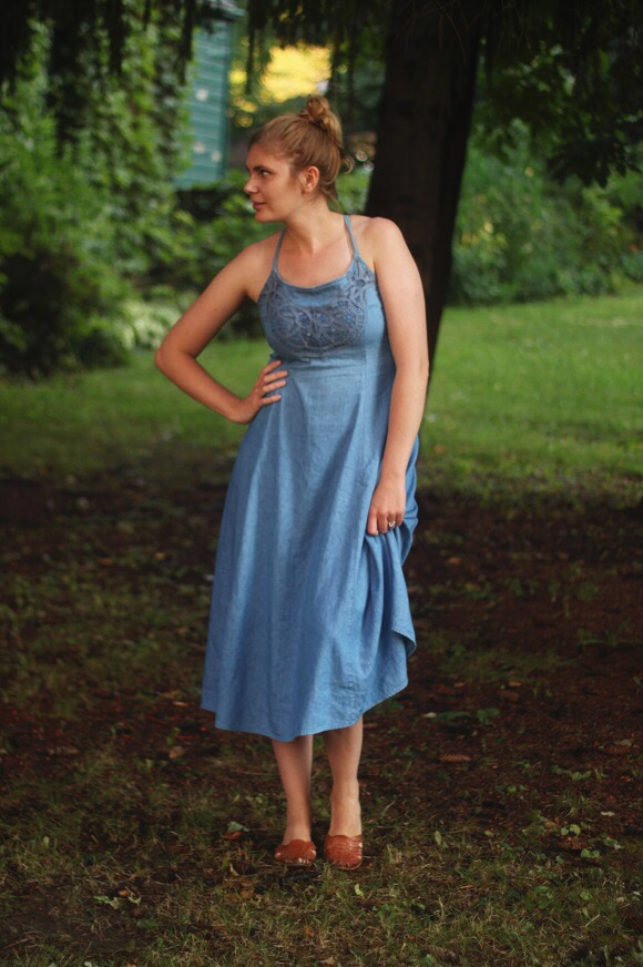 Vintage denim dress // We So Thrifty